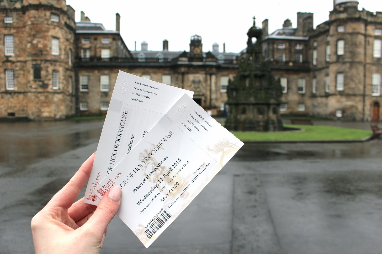 Holyrood Palace travel blog review