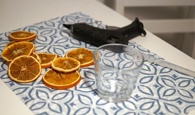 Świecznik z pomarańczy