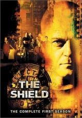"Carátula del DVD: ""The Shield"""