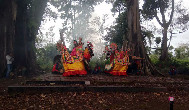 Penggalangan dana dari Pergerakan Budaya Makaryo Bhakti melalui Hunting Budaya