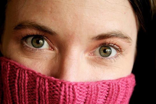 4 tips untuk menghilangkan kedutan wajah