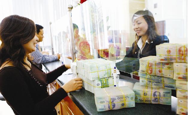 Khách hàng vay vốn ngân hàng tại Bắc Ninh
