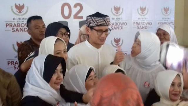 Sandiaga Klaim Unggul 2-0 dari Jokowi-Maruf