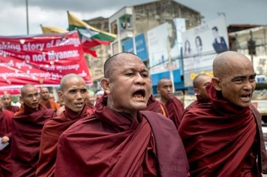 Ekstremis Budha Myanmar Tolak Pemulangan Rohingya