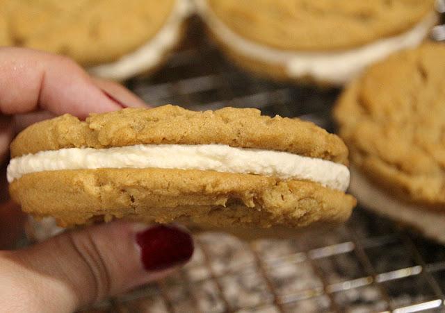 Fluffernutter Sandwich Cookies