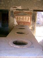 Italia. Italy. Italie. Campania. Herculano. Ercolano. Herculanum. Herculaneum. Taberna romana