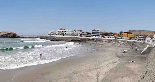 Playa Central o Playa Negra