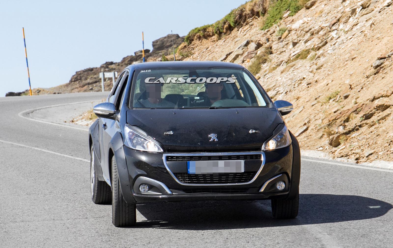 Peugeot-1008Mule-1