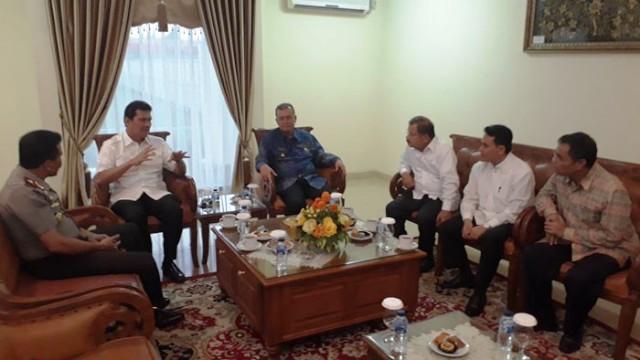 Asman Abnur : Luar Biasa Pak Bupati Ali Mukhni  Banyak Mega Proyek Dibangun di Padang Pariaman