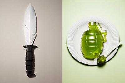 Cuchillo hecho con pluma y granada de gelatina.