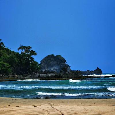 Wisata di Garut Pantai Karang Gajah