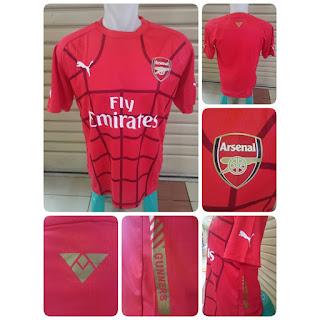 gambar desain terbaru jersey musim depan foto photo Jersey training Arsenal warna merah terbaru musim 2015/2016 di enkosa sport toko online jersey bola terpercaya lokasi di jakarta pasar tanah abang