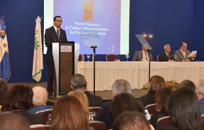 Andrès Navarro asegura desarrollo sostenible sòlo se logra con alianza Estado-Sociedad Civil