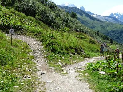 シャラミオンのハイキングトレイルとマウンテンバイクのルート