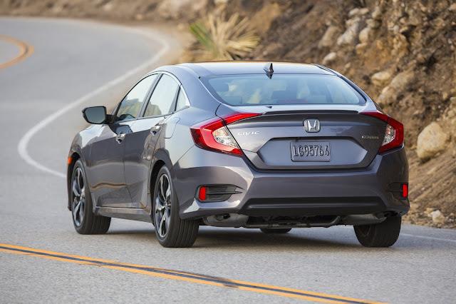Rear 3/4 view of 2016 Honda Civic EX
