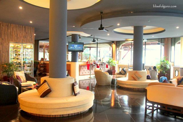 Novotel Phuket Vintage Park Resort Lounge