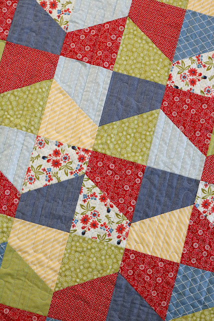 Lofty quilt pattern by Andy of A Bright Corner - A fat quarter quilt in four sizes