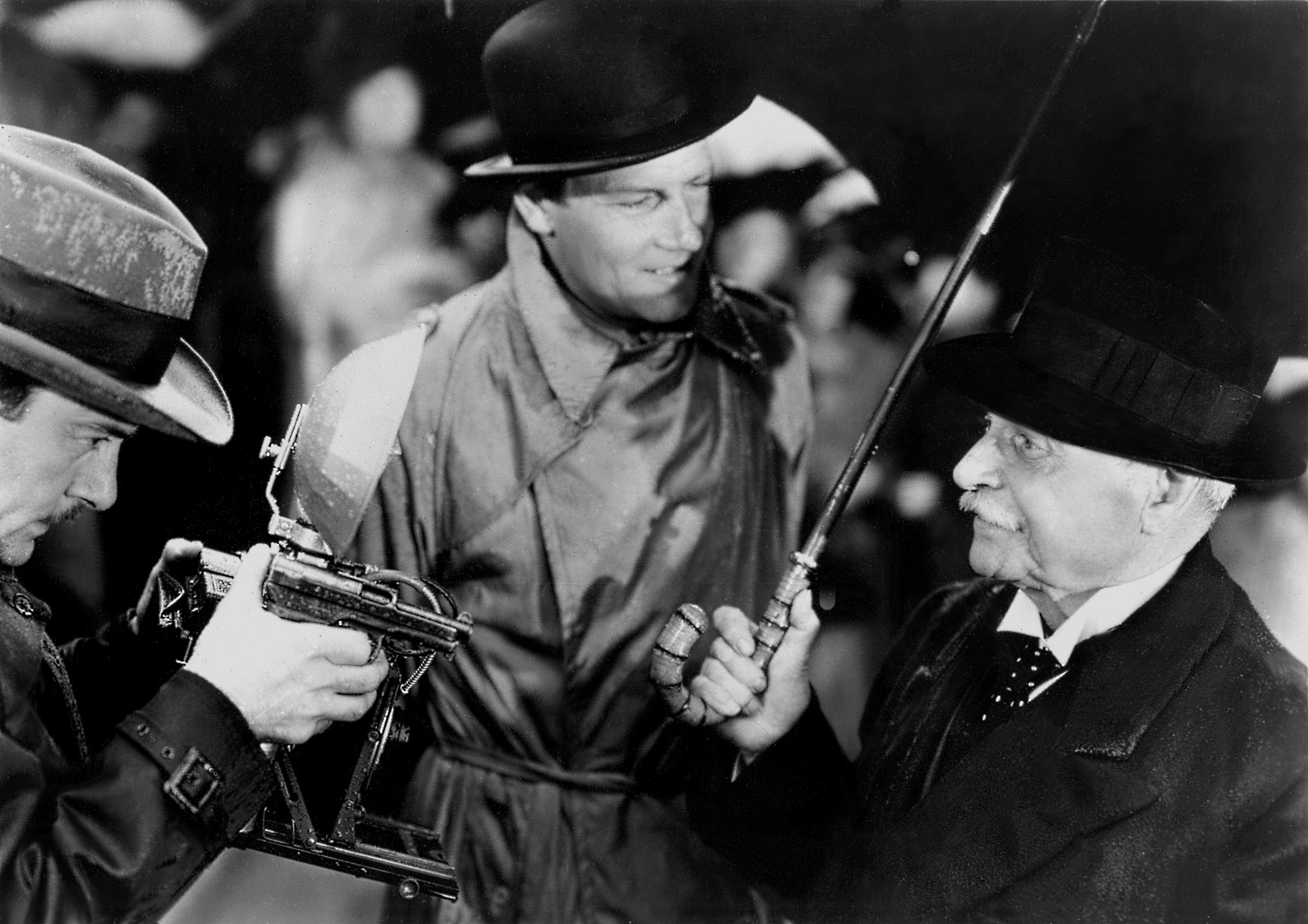 Movie Review: Foreign Correspondent (1940) | The Ace Black