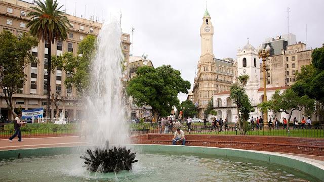 Plaza de Mayo em Buenos Aires no mês de agosto