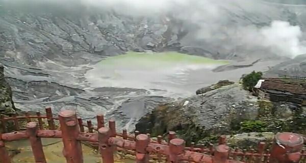 Gunung Tangkuban perahu Lembang