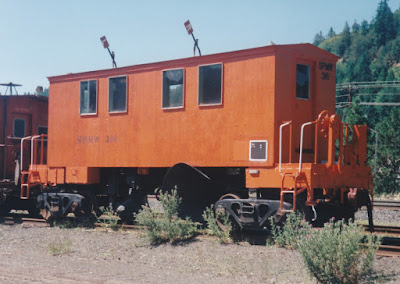 Southern Pacific Flanger SPMW #316 in Oakridge, Oregon, on July 18, 1997