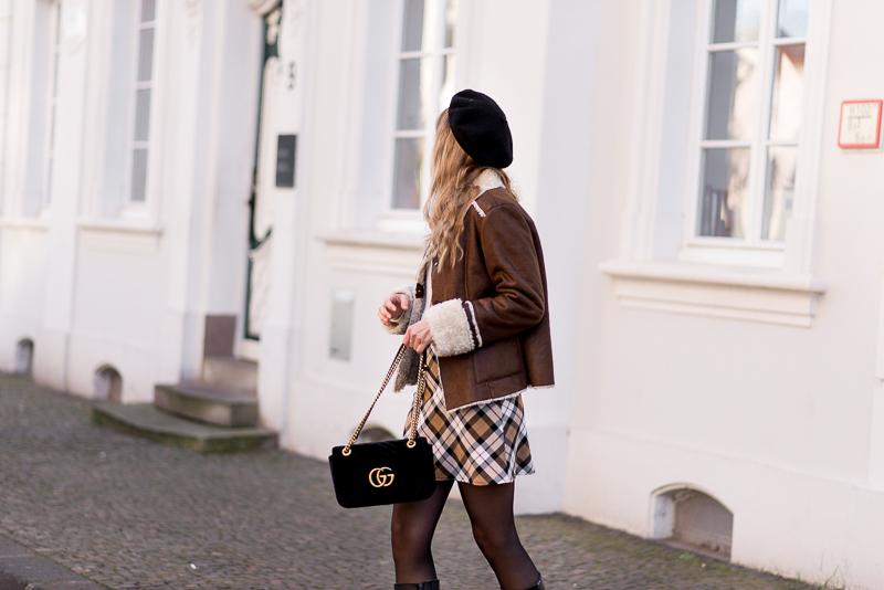 how to wear tartan skirt