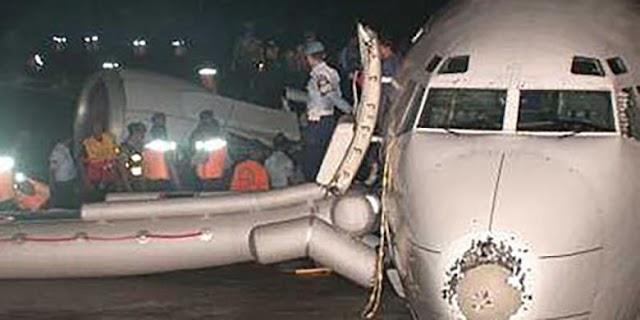 Penerbangan Mencekam GA-421 di Tengah Badai Petir dan Hujan Es