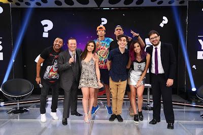 Raul com Youtubers e Tirulipa (Crédito: Rodrigo Belentani/SBT)