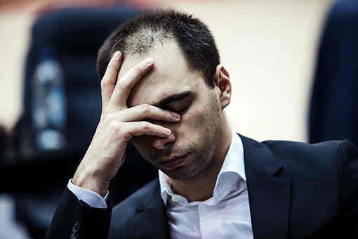 Cauchemar pour le Russe Alexander Riazantsev (2671) qui vient d'encaisser sa 3ème défaite consécutive - Photo © Maria Yassakova