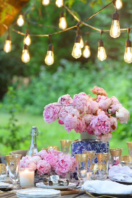Blue, Blush & Gold summer table & 10 styling tips