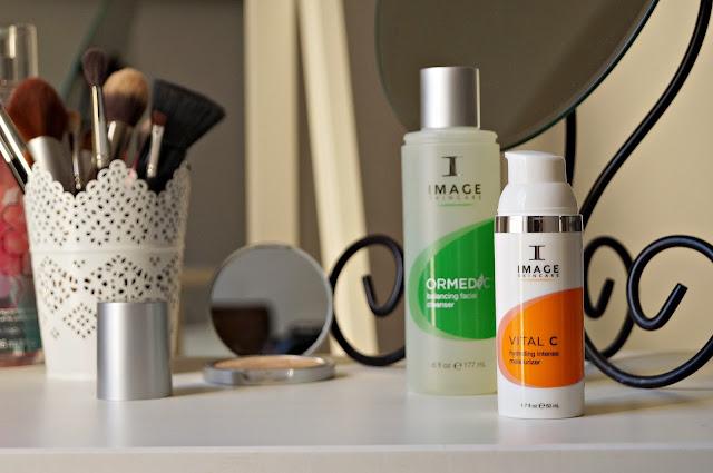 Kosmetyki Image Skincare - żel myjący Balancing Facial Cleanser Image Skincare oraz krem z witaminą C Hydrating Intense Moisturizer