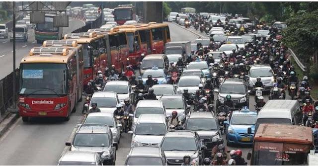 Kenaikan tarif harus didahului perbaikan layanan transportasi umum