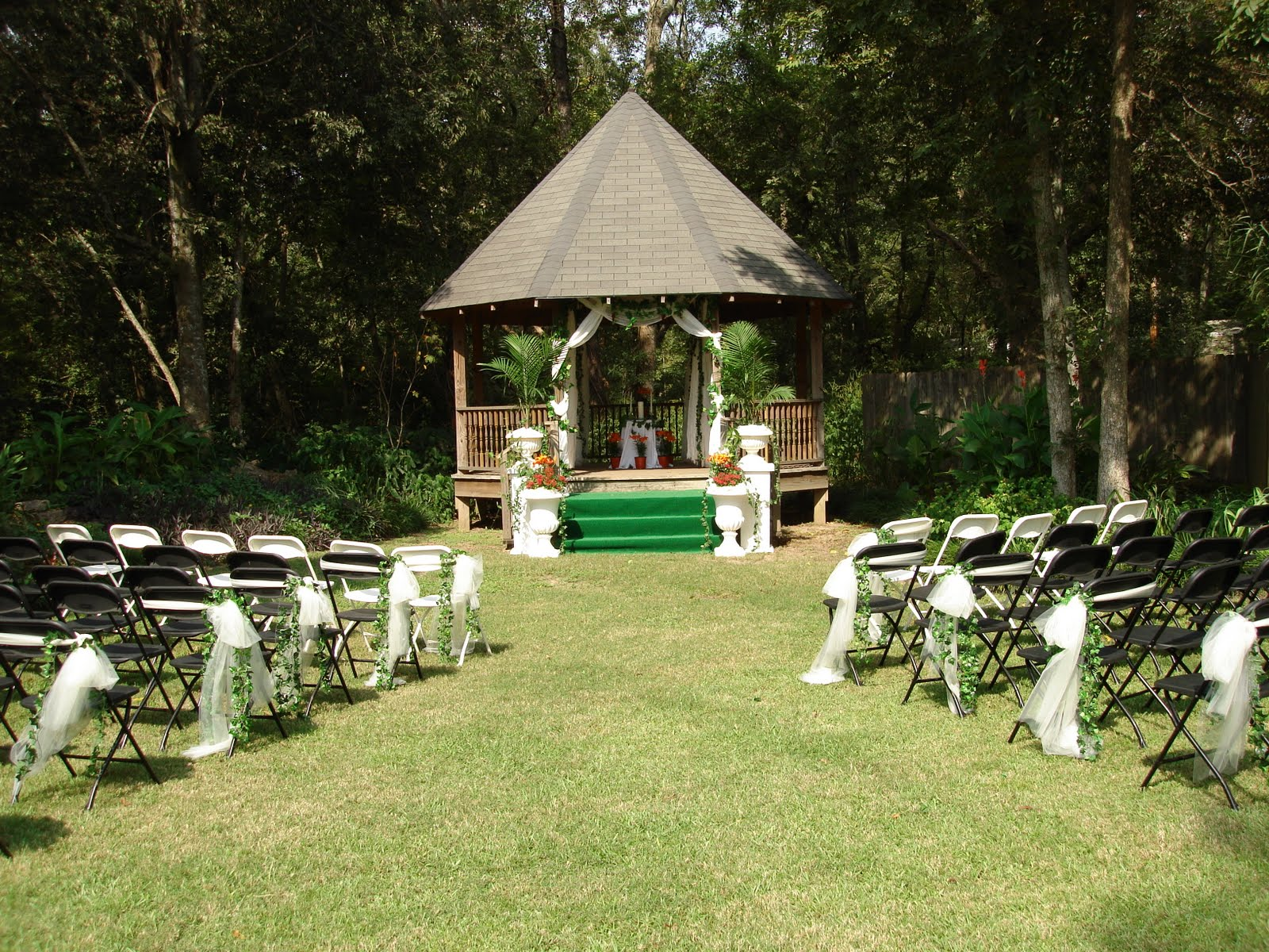 Outdoor Wedding Ceremony Décor: Outdoor Wedding Decorating Pictures Photograph