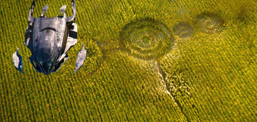 Tehnologie ultra-avansată şi conexiuni multiple cu Terra în filmul sci-fi Jupiter Ascending