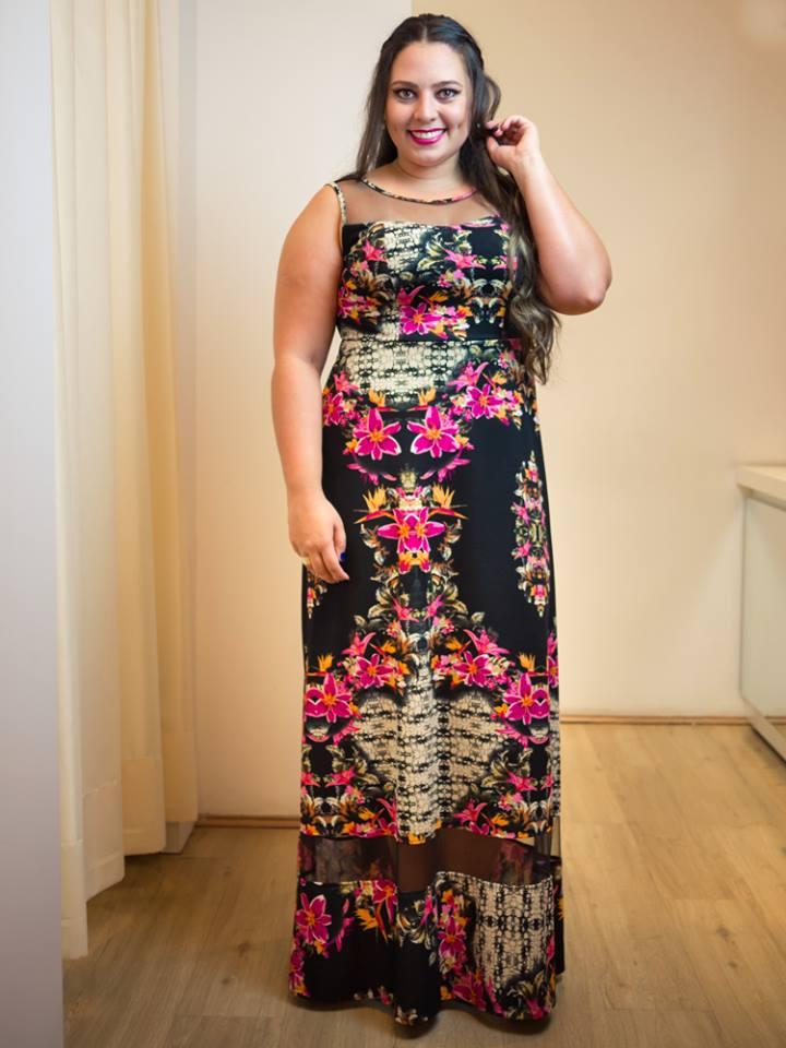 a40874a477 Blog Laiara Leoni Plus Size  Look da Lai - A barra desceu e o ...