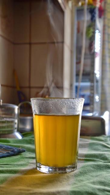 Jak zaparzyć marokańską zieloną herbatę z miętą?