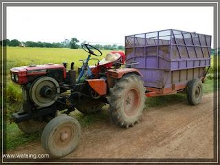 Traktor für Reisernte Thailand