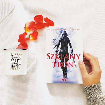 Autorka, której poprzednie książki pokochałam. Czy Szklany Tron pokona Dwory?