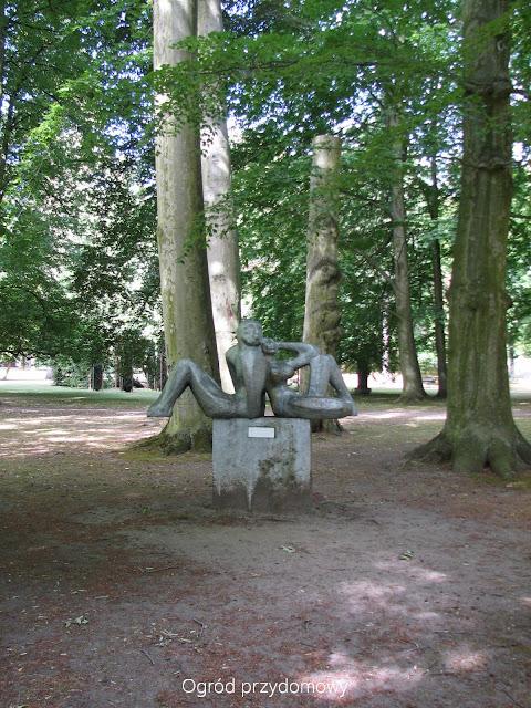 Park Oliwski, ogrod przydomowy