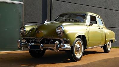 O carro que ilustra estas memórias é um Studebaker Champion 1952, pertencente ao colecionador Mario Ferretti, sendo similar ao carro utilizado pelo chofer Hildebrando, de Caçapava.