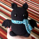 https://translate.google.es/translate?hl=es&sl=en&tl=es&u=https%3A%2F%2Fbehookedwitch.wordpress.com%2F2016%2F02%2F22%2Ffree-big-amigurumi-bat-pattern%2F