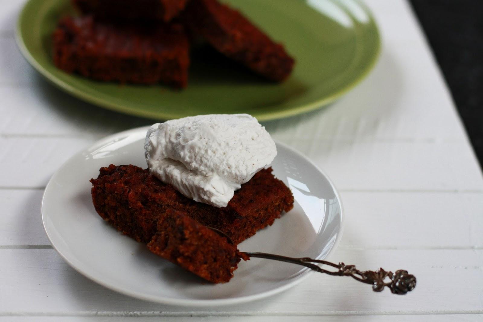 vegaaniset gluteenittomat taatelineliöt kookoskerma mallaspulla