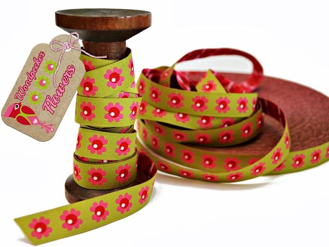 http://www.farbenmix.de/shop/Webbaender/Woodpecker-Flowers-lime-Webband::11689.html