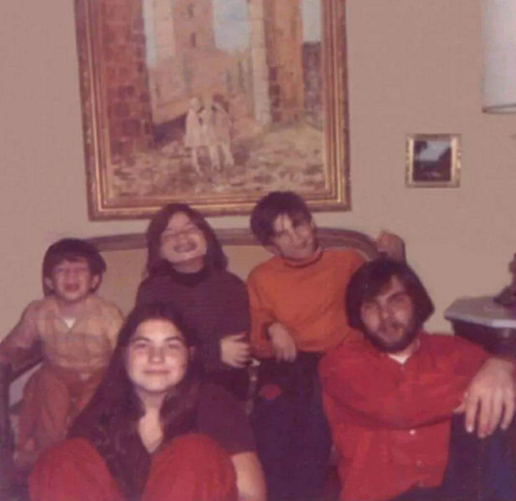 Picture Of The Defeo Family Just Before The Amityville Horror