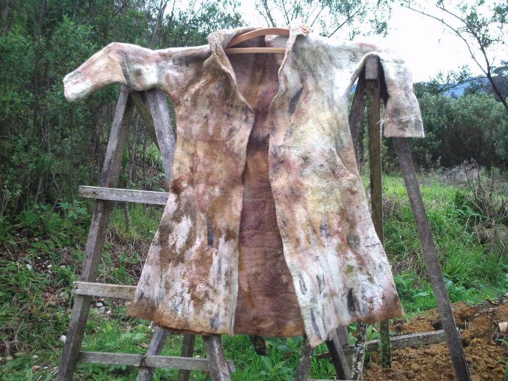 casaco feltrado com abertura total na frente