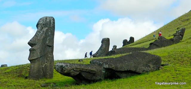 Ilha de Páscoa, vulcão Rano Raraku, fábrica de moais