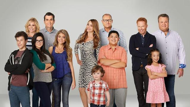 MODERN FAMILY - TRES FAMILIAS