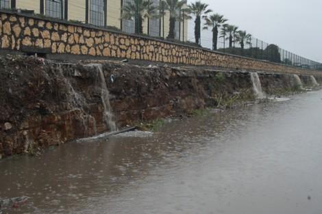 """العماري يستدعي مسؤولي """"ليديك"""" لتفادي الفيضانات بالدار البيضاء"""