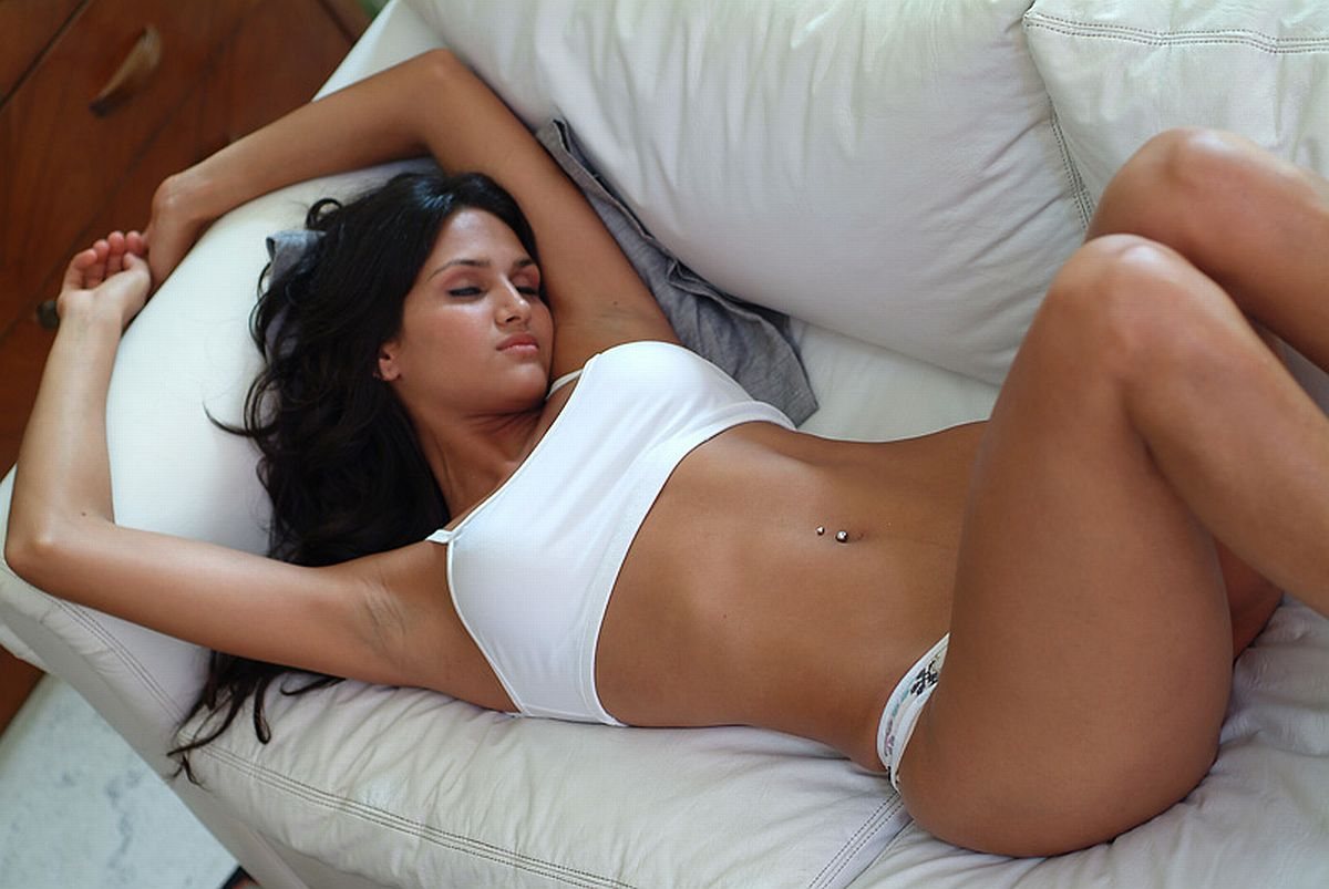 Tonia cross dildo anal fuck 4