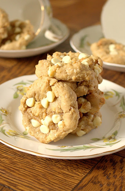 The Best Coconut Cream Cheese White Chocolate Chip Cookies